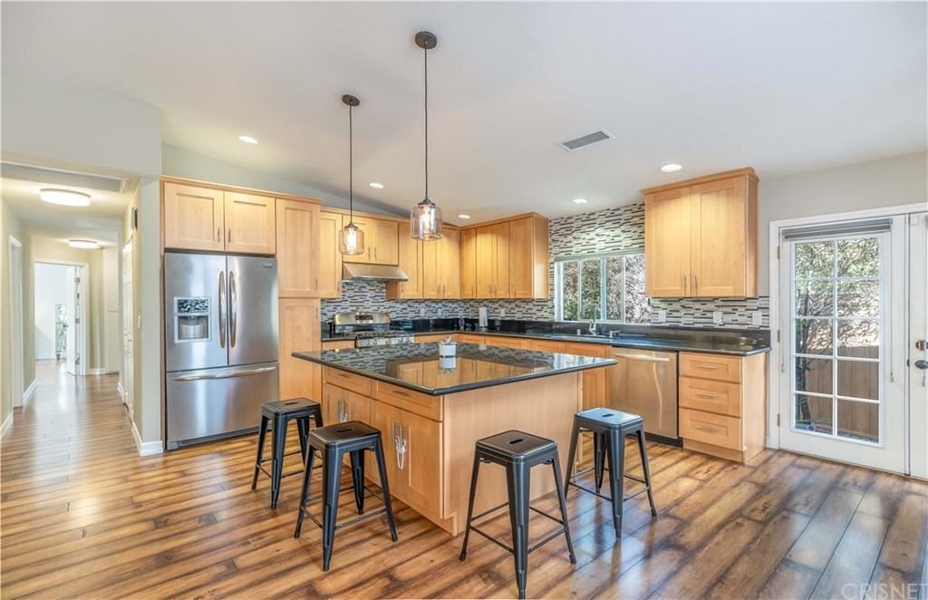 Photo of 6261 JUMILLA Avenue, Woodland Hills, CA 91367 (MLS # SR20036930)