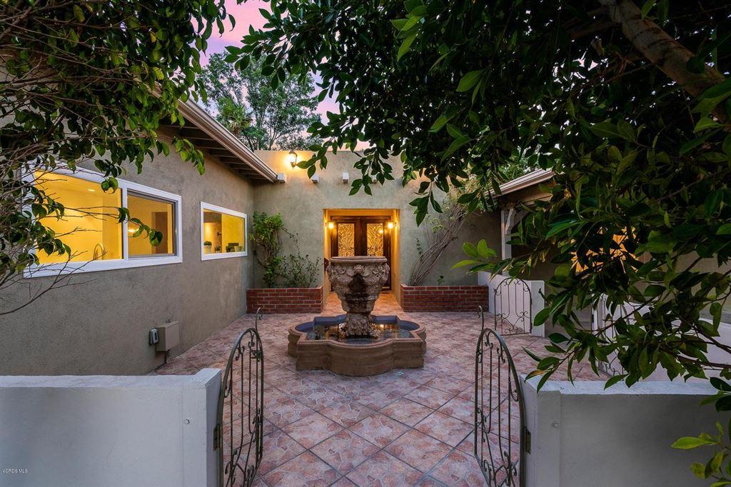 Photo for 23244 BIGLER Street, Woodland Hills, CA 91367 (MLS # 219008934)