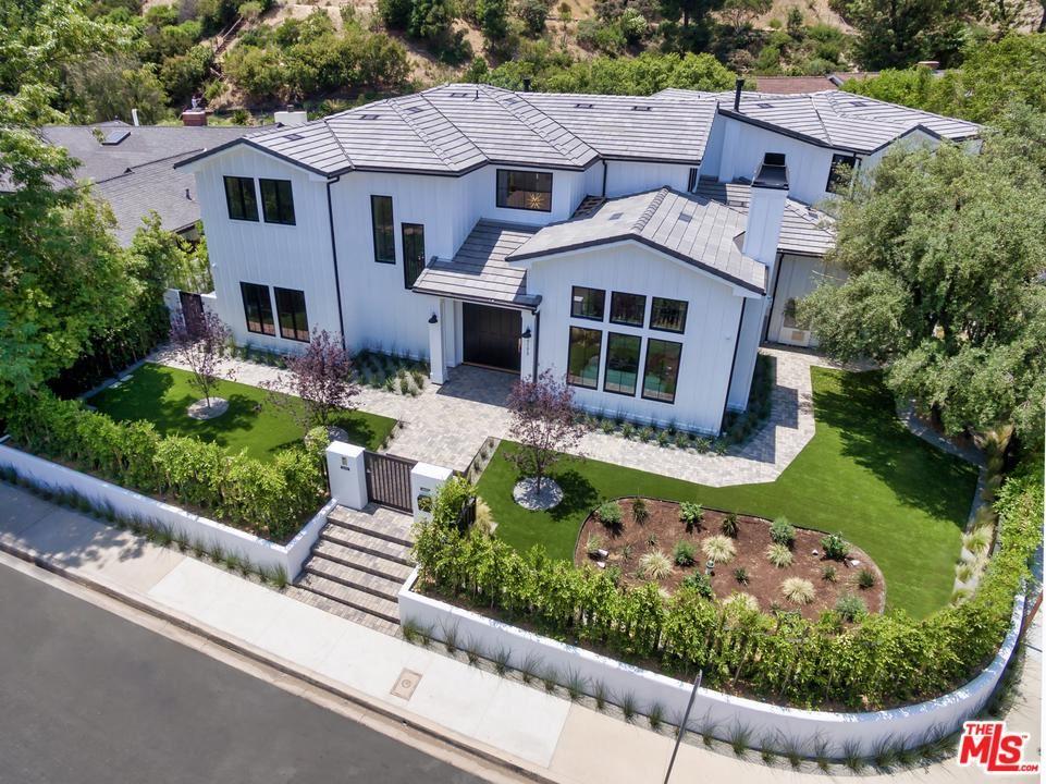 Photo of 17173 STRAWBERRY Drive, Encino, CA 91436 (MLS # 20539936)