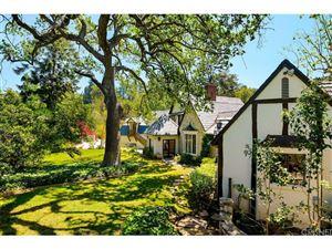 Photo of 17450 RANCHO Street, Encino, CA 91316 (MLS # SR18116937)