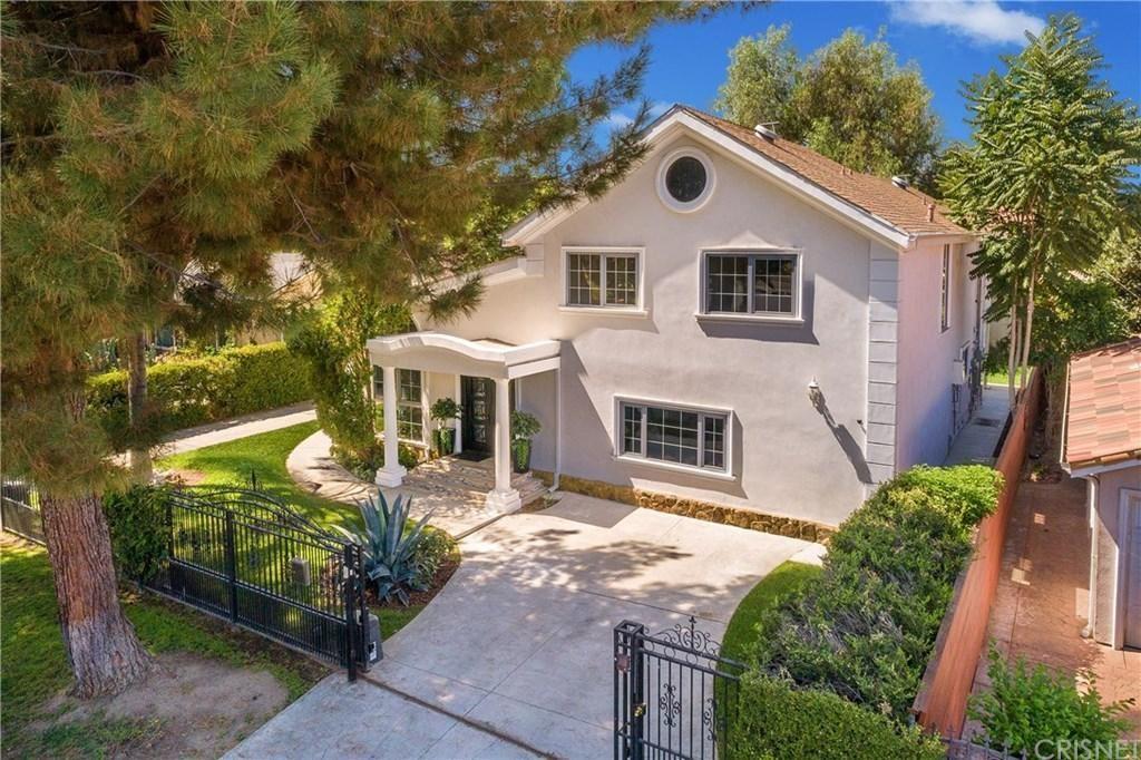 Photo of 4485 MATILIJA Avenue, Sherman Oaks, CA 91423 (MLS # SR20044938)