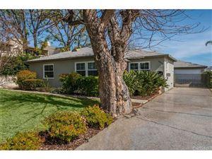 Photo of 6910 DE CELIS Place, Lake Balboa, CA 91406 (MLS # SR18043939)