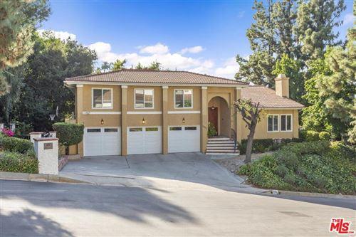 Photo of 3432 CLAIRTON Place, Encino, CA 91436 (MLS # 19511944)