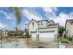 Photo of 28420 INCLINE Lane, Saugus, CA 91390 (MLS # SR18045944)
