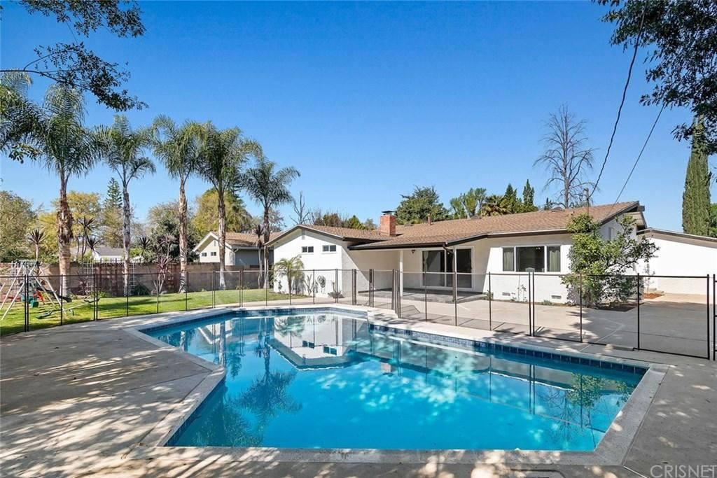 Photo of 23340 LADRILLO Street, Woodland Hills, CA 91367 (MLS # SR20033944)