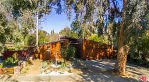 Photo of 22115 AVENUE MORELOS, Woodland Hills, CA 91364 (MLS # 19426946)