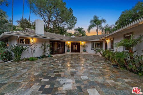 Photo of 3801 HAYVENHURST Avenue, Encino, CA 91436 (MLS # 20552946)