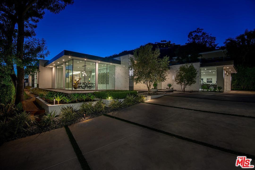 Photo of 2002 LOMA VISTA Drive, Beverly Hills, CA 90210 (MLS # 20547946)