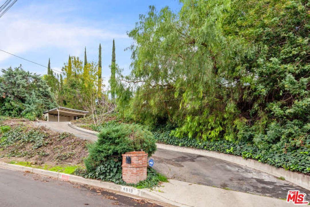 Photo of 4919 AMIGO Avenue, Tarzana, CA 91356 (MLS # 20546948)
