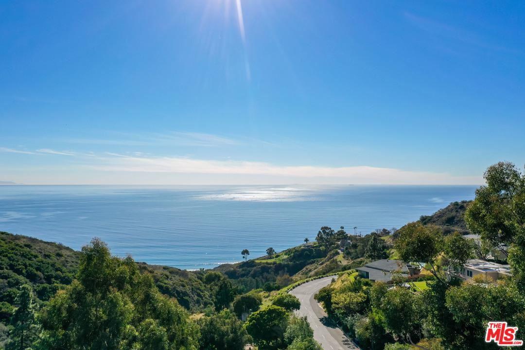 Photo of 20607 EAGLEPASS Drive, Malibu, CA 90265 (MLS # 20554952)