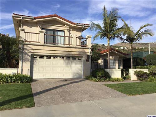 Photo of 6601 BEACHVIEW Drive, Rancho Palos Verdes, CA 90275 (MLS # 319004969)