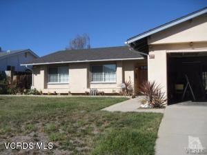 Photo of 277 South HENRIETTA Avenue, Thousand Oaks, CA 91320 (MLS # 218002971)