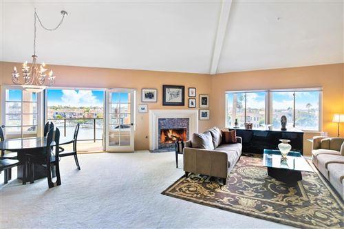 Photo of 4214 HARBOUR ISLAND Lane, Oxnard, CA 93035 (MLS # 220000978)