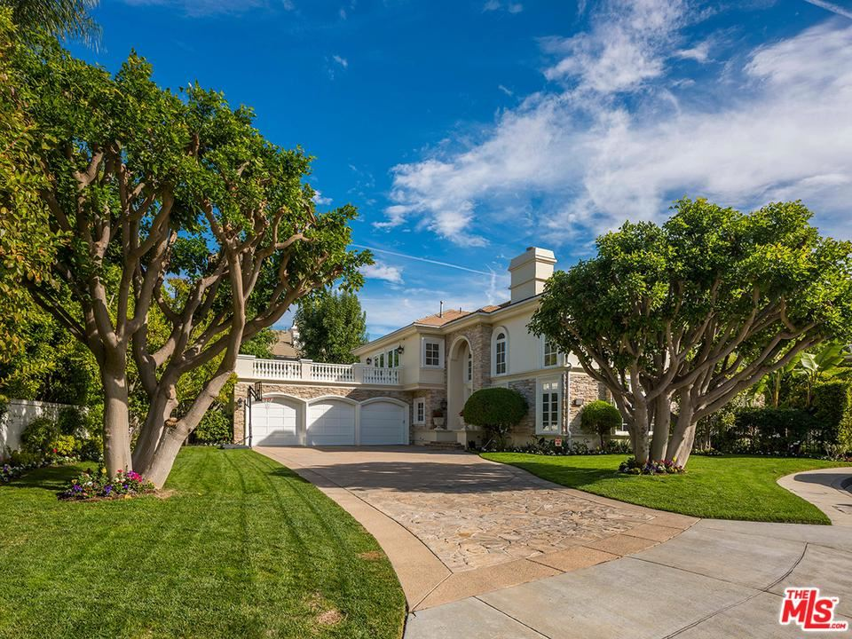 Photo of 19356 REDBRIDGE Lane, Tarzana, CA 91356 (MLS # 19532984)