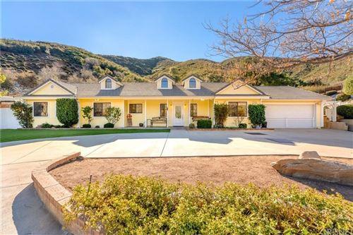 Photo of 15168 CALLE SAN LUIS POTOSI, Green Valley, CA 91390 (MLS # SR20017989)
