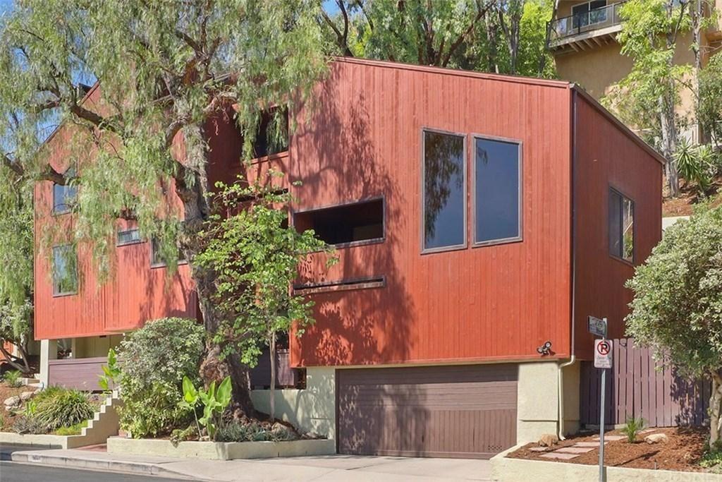 Photo for 5031 SAN FELICIANO Drive, Woodland Hills, CA 91364 (MLS # SR19212989)