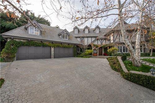 Photo of 4411 WESTCHESTER Drive, Woodland Hills, CA 91364 (MLS # SR20013990)