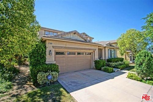 Photo of 29084 GARNET CANYON Drive, Saugus, CA 91390 (MLS # 20543996)