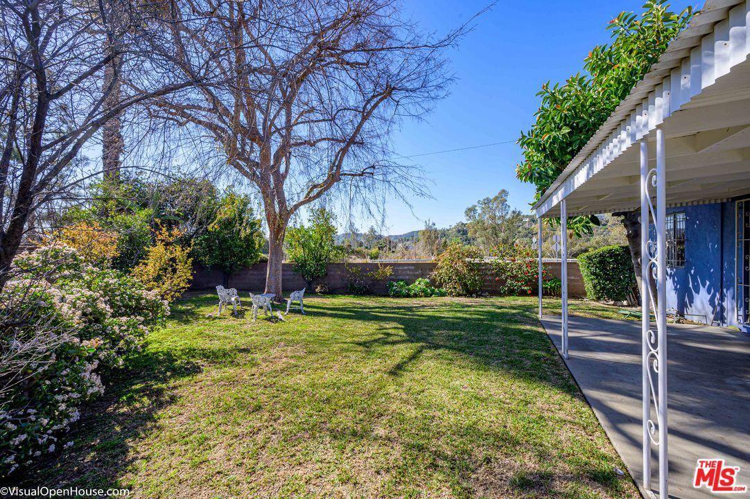 Photo of 957 West WOODBURY Road, Altadena, CA 91001 (MLS # 20540998)