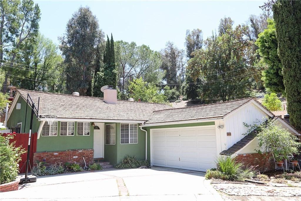 Photo for 4889 ESCOBEDO Drive, Woodland Hills, CA 91364 (MLS # SR19172999)