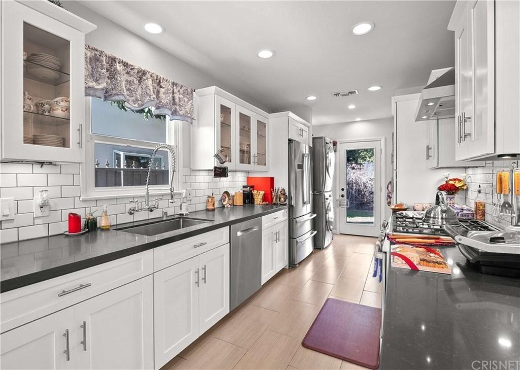 Photo of 14527 ADDISON Street, Sherman Oaks, CA 91403 (MLS # SR20024999)