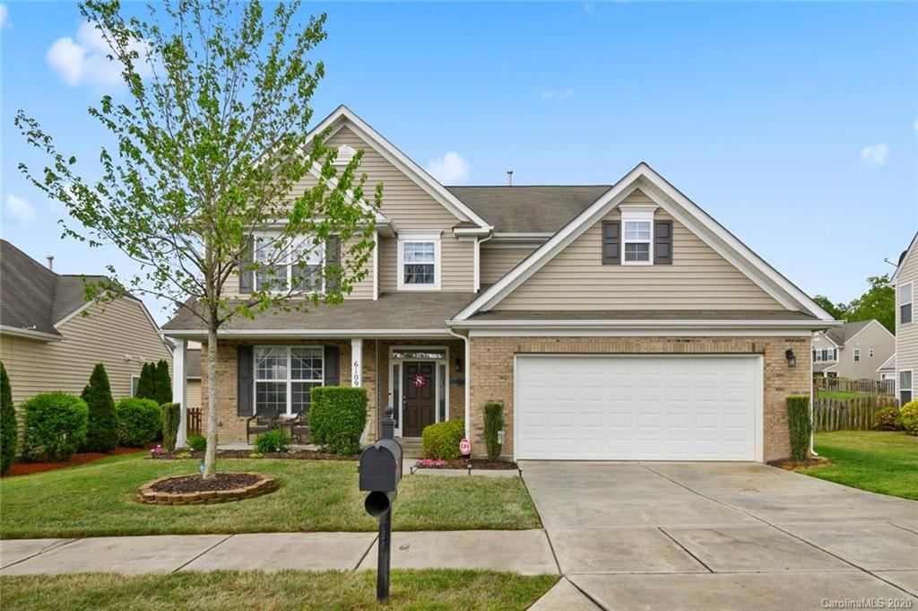 Photo for 6109 Lighted Way Lane, Indian Trail, NC 28079-5606 (MLS # 3611000)