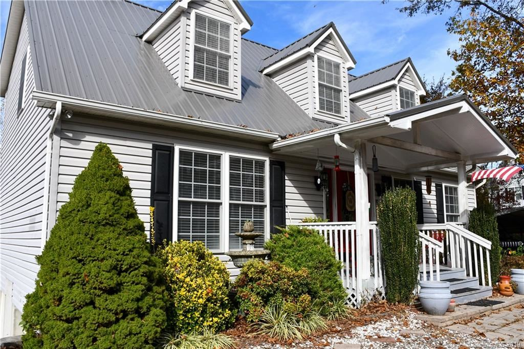60 Hennessee Street, Clyde, NC 28721 - MLS#: 3565001