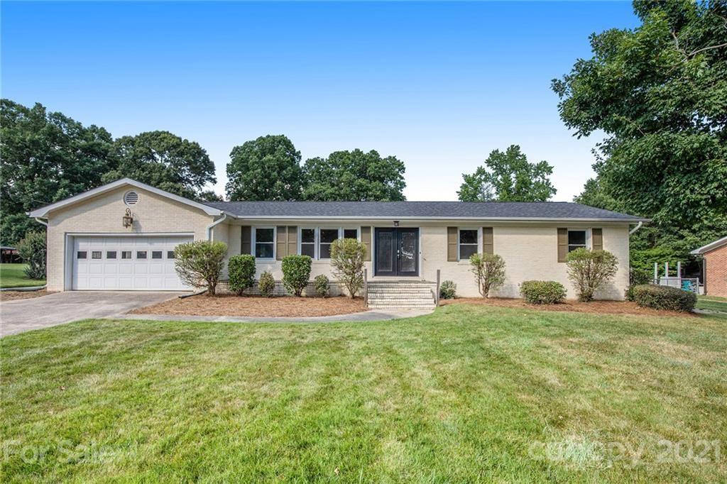 Photo for 6420 Lynwood Drive, Concord, NC 28027-2654 (MLS # 3753005)