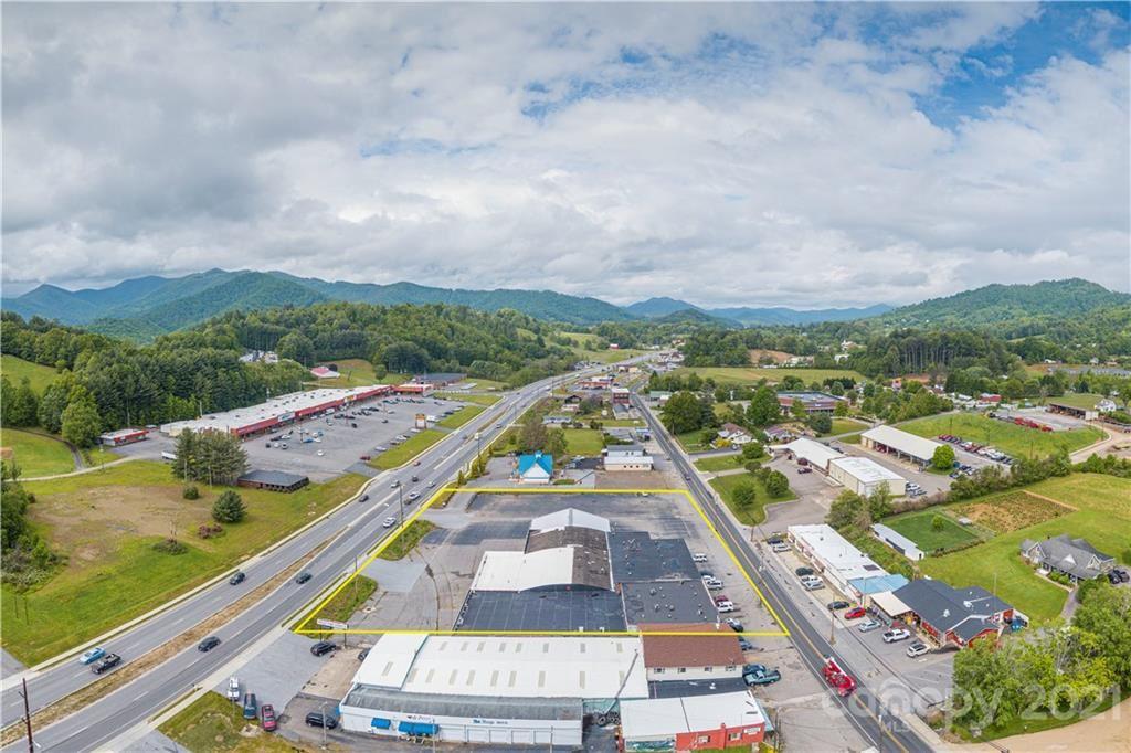 Photo of 627 W Main Street, Burnsville, NC 28714 (MLS # 3628011)