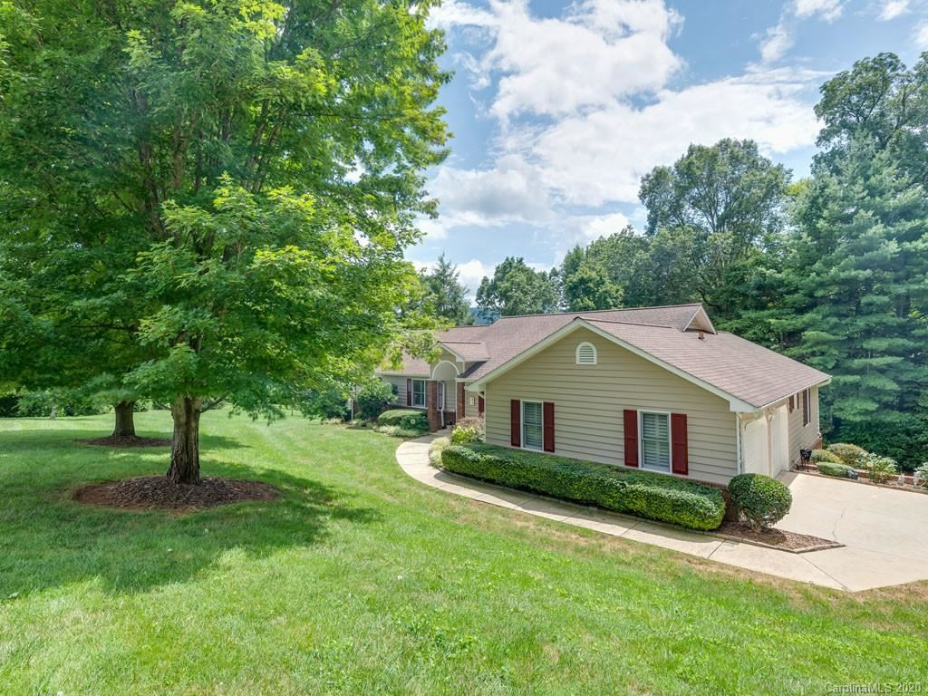 Photo of 52 Beaumont Drive, Hendersonville, NC 28739-7071 (MLS # 3651016)