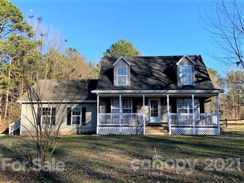 Photo of 1150 Ravendale Drive, Charlotte, NC 28216-1527 (MLS # 3712019)