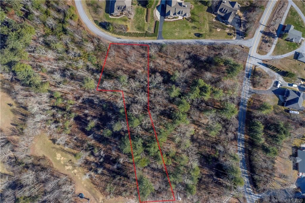 Photo of 204 Willow Place Circle, Hendersonville, NC 28739 (MLS # 3583020)