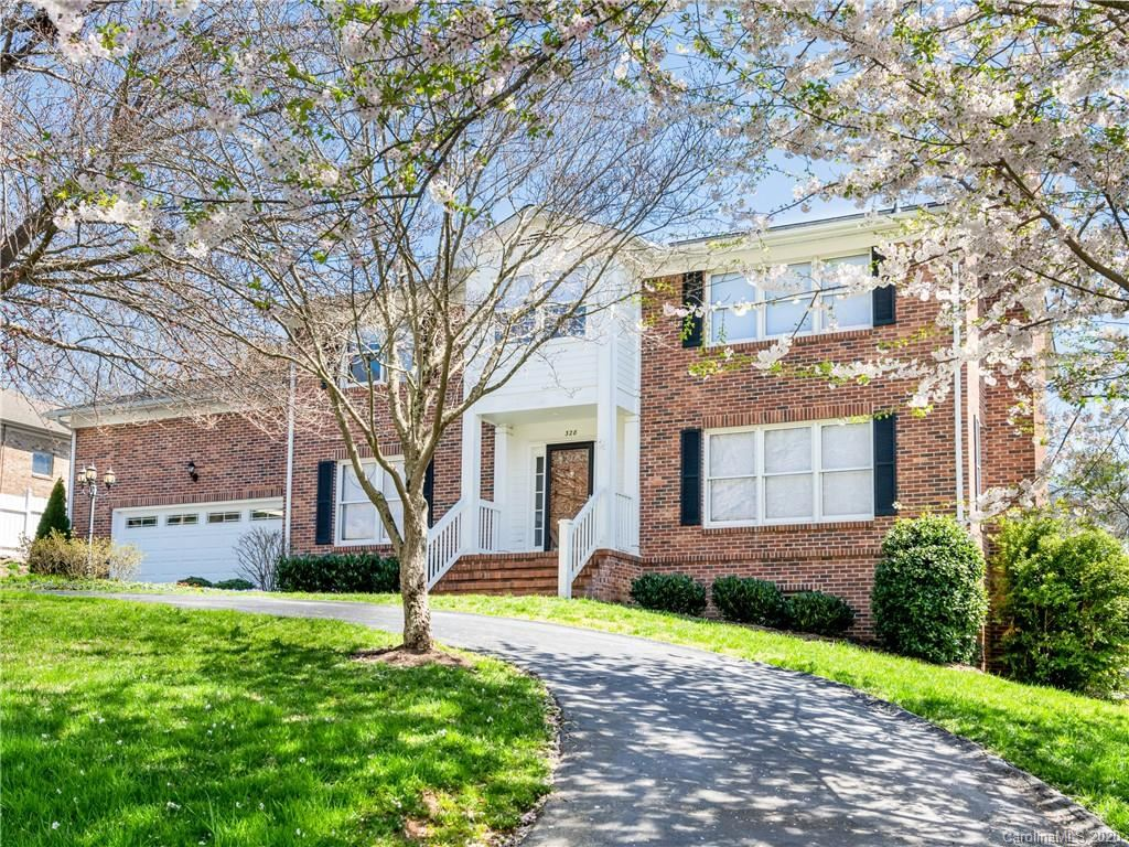 Photo for 328 Stratford Road, Asheville, NC 28804 (MLS # 3611037)