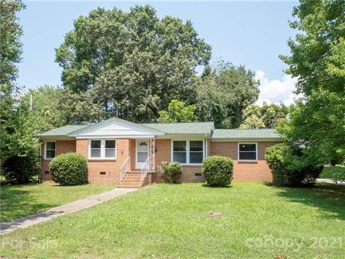 Photo of 301 Timberlane Drive, Mount Holly, NC 28120-1819 (MLS # 3761059)