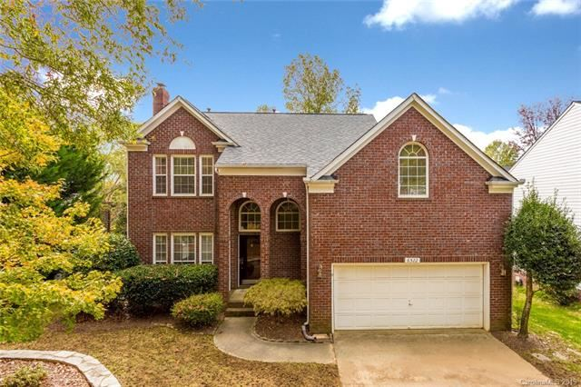 Photo for 6522 Kentdale Court, Charlotte, NC 28270-1737 (MLS # 3565069)