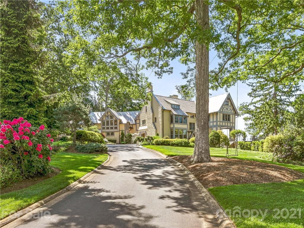 Photo of 7 Stuyvesant Road, Biltmore Forest, NC 28803 (MLS # 3720073)