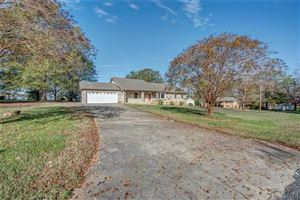 Photo of 1304 Cambridge Drive, Shelby, NC 28152 (MLS # 3454075)