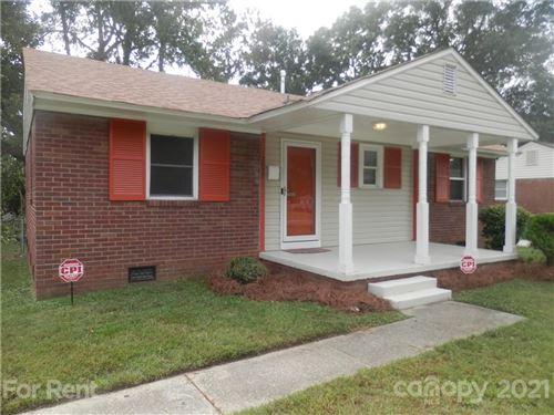 Photo of 2827 Burbank Drive, Charlotte, NC 28216 (MLS # 3797086)