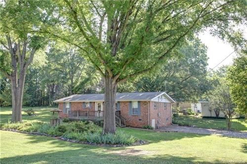Photo of 415 Melynda Road, Charlotte, NC 28208 (MLS # 3570089)