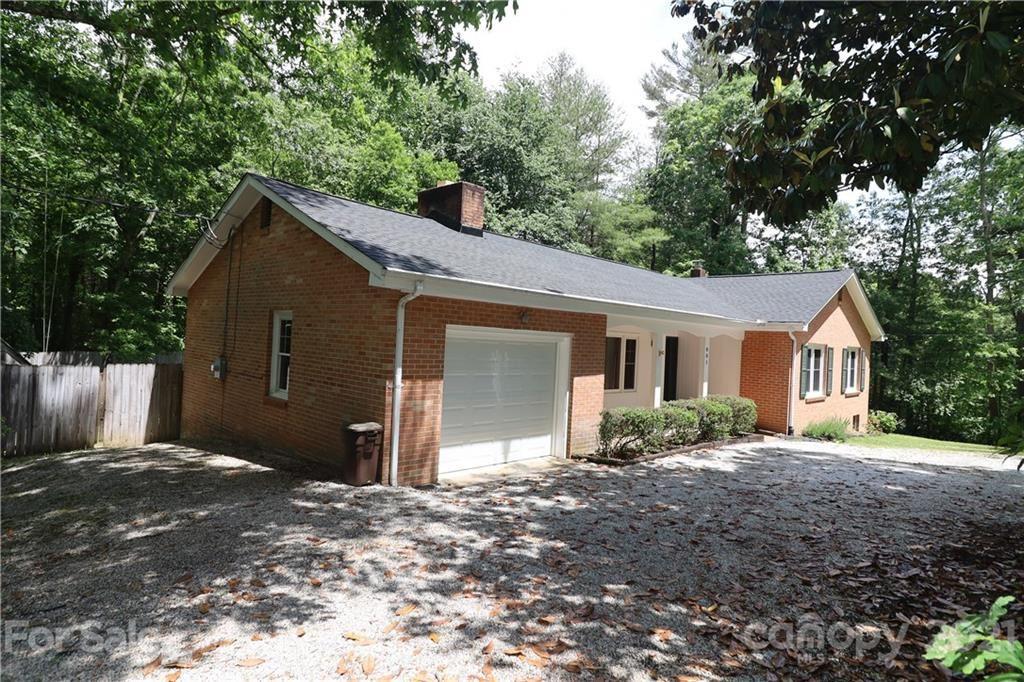 Photo of 801 Jearl Lane, Hendersonville, NC 28739 (MLS # 3749096)