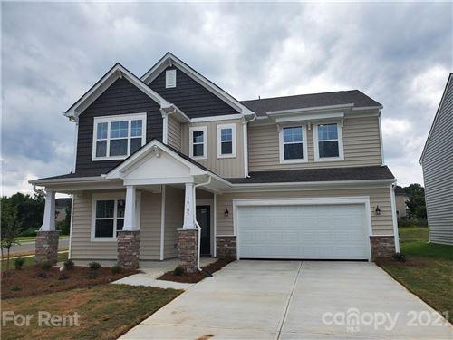 Photo of 16105 Harbor Hill Drive, Charlotte, NC 28273 (MLS # 3797105)