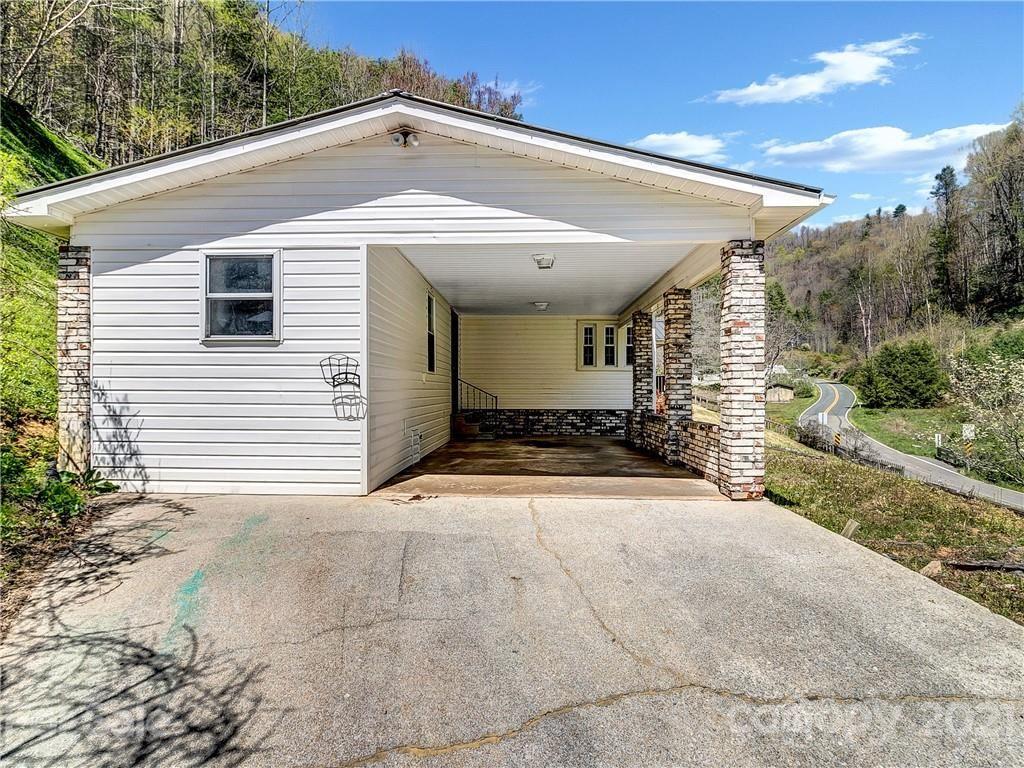 Photo of 1067 Brummetts Creek Road, Green Mountain, NC 28740 (MLS # 3735109)