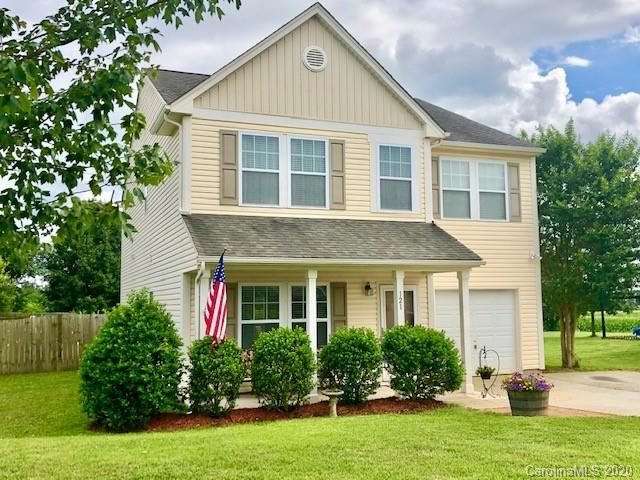 Photo for 121 Altondale Drive, Statesville, NC 28625-2759 (MLS # 3636115)