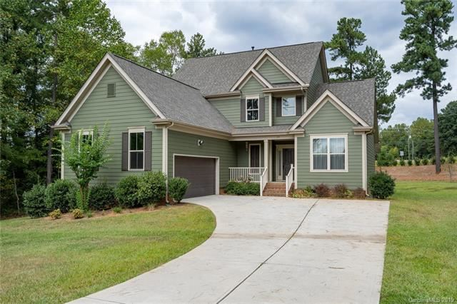 Photo for 119 Skip Jack Point Court, Mooresville, NC 28117-7043 (MLS # 3563119)