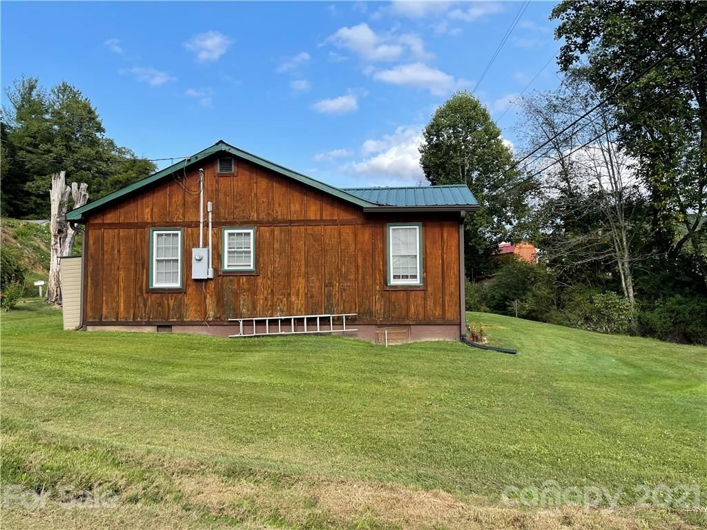 Photo of 330 Old HWY 19E Highway E, Spruce Pine, NC 28777 (MLS # 3784123)