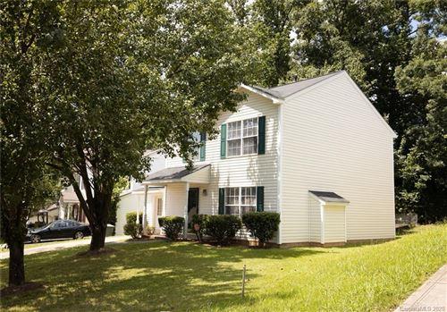 Photo of 322 Graham Meadow Drive, Charlotte, NC 28213-4907 (MLS # 3640143)
