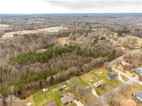 Photo of 118 Robinson Drive, Cherryville, NC 28021 (MLS # 3548148)