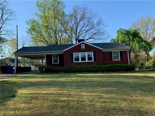 Photo of 129 13th Avenue NW, Hickory, NC 28601 (MLS # 3610181)