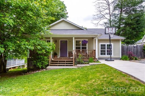 Photo of 105 Terry Estate Drive, Black Mountain, NC 28711-3366 (MLS # 3738186)