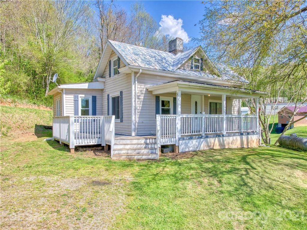 Photo of 8 Mountain Crest Drive, Candler, NC 28715 (MLS # 3729190)